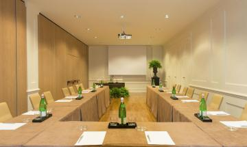 Bernini Meeting Room (B)