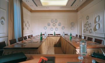 Porcellane Meeting Room