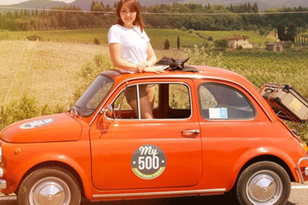 Vintage tour on a Fiat 500 in the Chianti area with lunch