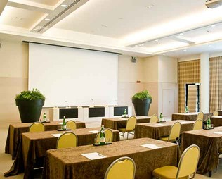 Grand Milan Saronno | Business Meeting Varese Saronno | Hotel Meeting Rooms Italy - photo 1