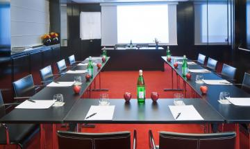 Montenapoleone Meeting Room