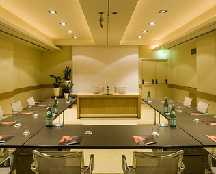 Rome 4 star hotel near Termini Station | Starhotels Metropole - photo 3