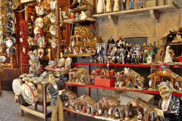 Naples and the tradition of nativity scenes walking tour