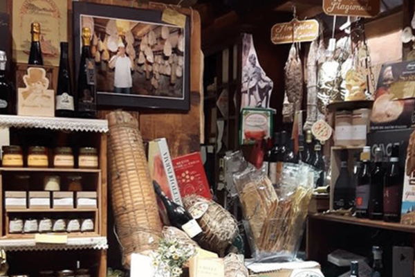 Parma ham, Parmesan and other local foods in Busseto