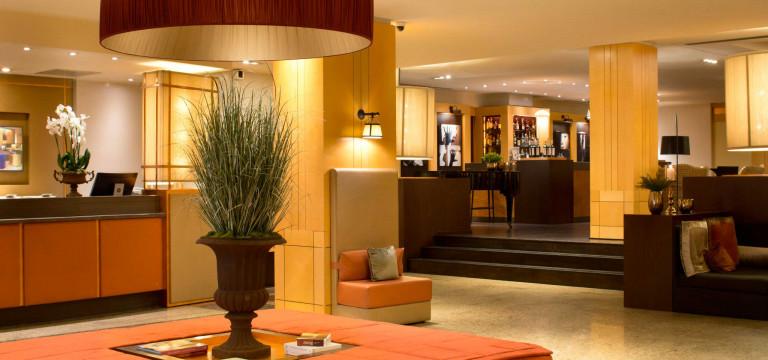 Starhotels Metropole, 4 star hotel in central Rome, near Termini Station - photo 1