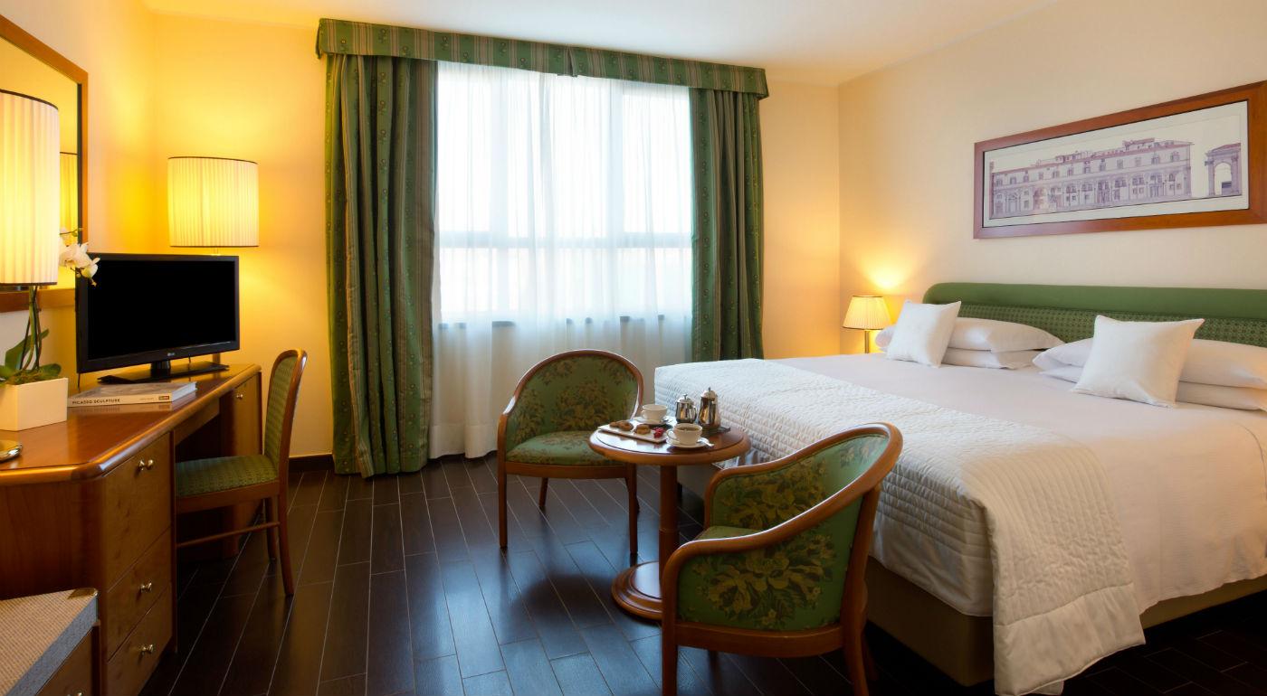 Hotel con giardino milano camera classic starhotels - Hotel con camere a tema milano ...