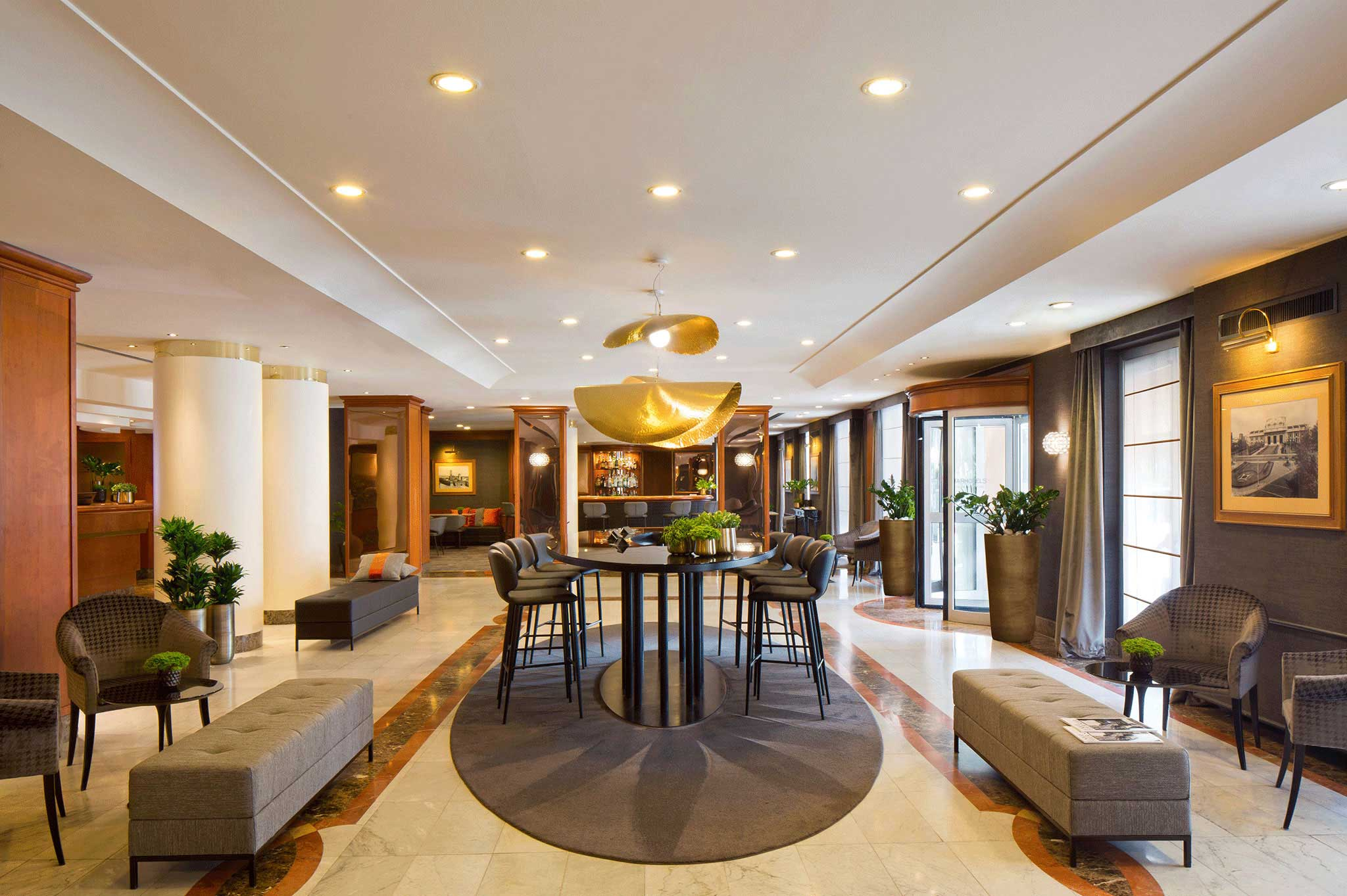 Starhotels Tourist Hotel In Milan Financial District Italy